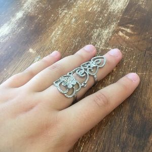 NWOT Sparkly full finger ring